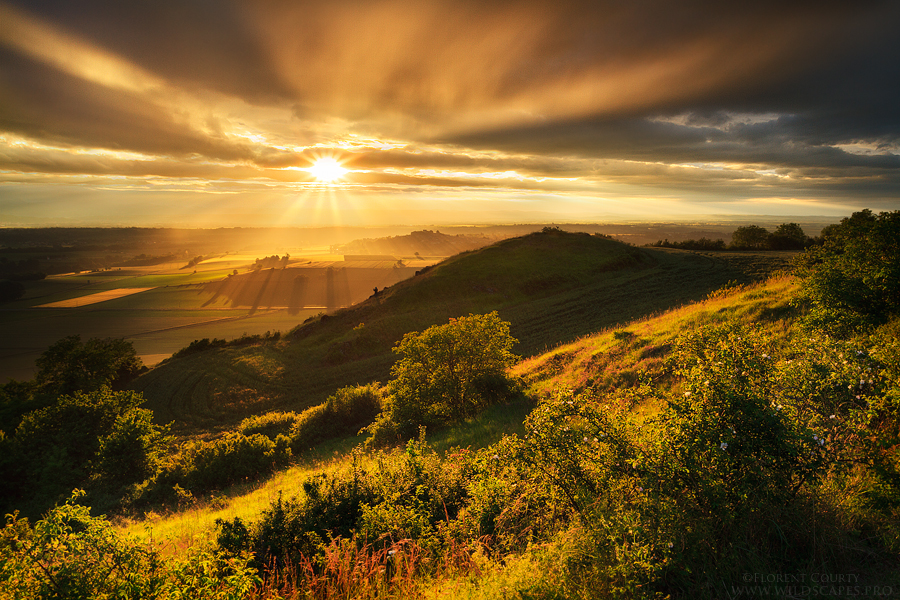 blast_of_light_by_florentcourty